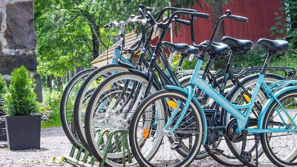 somerolla voit myös polkupyöräillä. Seeteristä löytyy jopoja